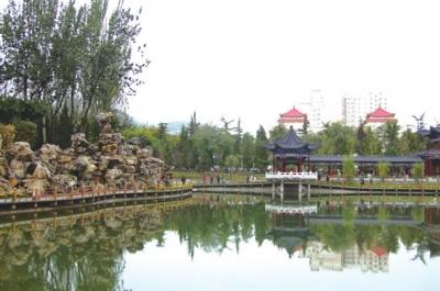 """金城公园:石化城的""""绿色明珠""""(图)"""