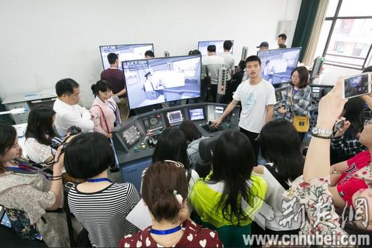 武汉铁路职业技术学院:理论与实操相结合 培养专业铁路人才