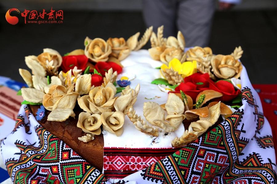 参观主题公园 享受特色美食 魅力嘉峪关引来众多点赞(视频+图文)