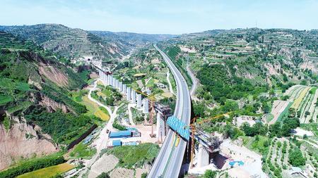 银西高速铁路途经庆阳市宁县、庆城、环县等县区
