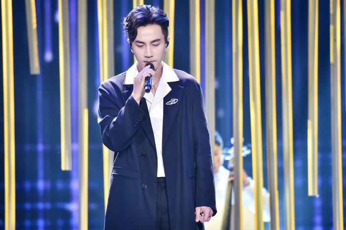 《跨界歌王》突围赛 歌手争夺最终晋级名额