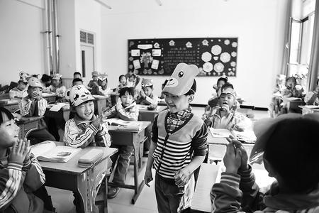 张掖市肃南县红湾小学开展丰富多彩的教学活动