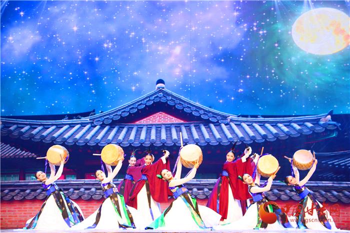 """兰洽会韩国馆举行开馆仪式""""欧巴""""邀市民体验韩国风情"""
