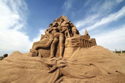 西北最大沙雕艺术节在兰州新区开幕