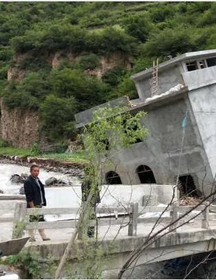 甘肃多地遭遇洪涝灾害舟曲滑坡险情正在紧急处置