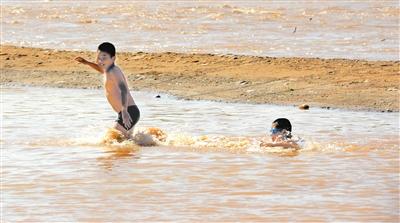 温馨提示丨黄河正处主汛期 河边纳凉玩耍 谨记安全第一