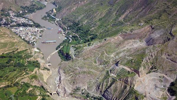 中国甘肃网舟曲滑坡体除险加速 将借助南峪水电站引水体系分流