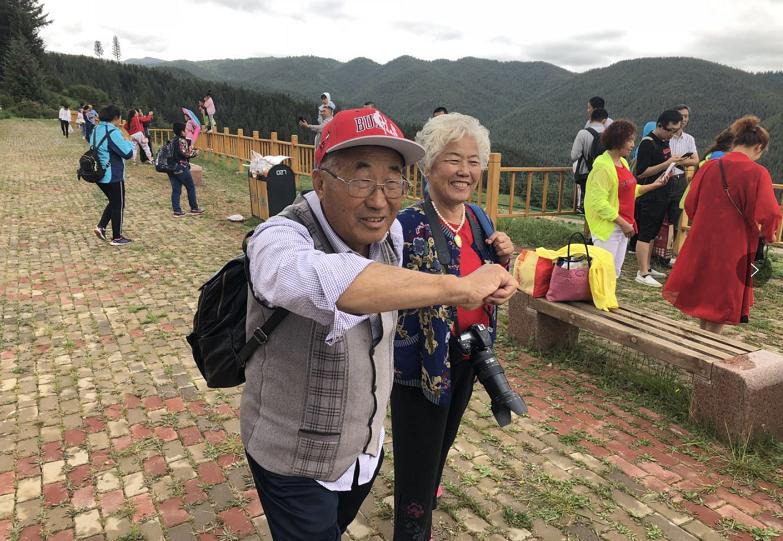 """焉支山国家森林公园举办""""六月六""""""""文化庙会"""