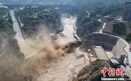 刘家峡水电厂遇强泥沙来袭 多举措应对保安全度汛