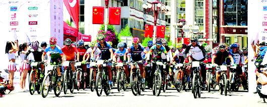 骑行藏地神秘旅程 感受甘南多样魅力 2018建盟设计杯甘南藏地传奇自行车赛暨UCC全国业余联赛甘南站开赛