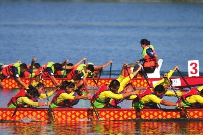 第三届全国青少年龙舟锦标赛在张掖举办(图)