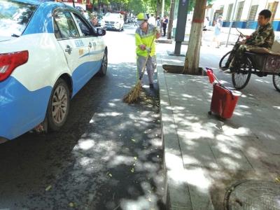 兰州城关区环卫局加强道路清扫保洁力度确保良好的市容环境