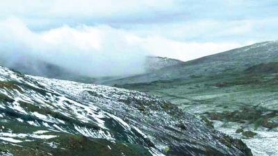 祁连山国家级自然保护区肃南段降雪