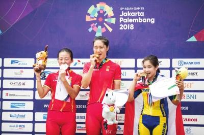 兰州姑娘亚运夺金 女子自行车山地越野赛姚变娃获冠军
