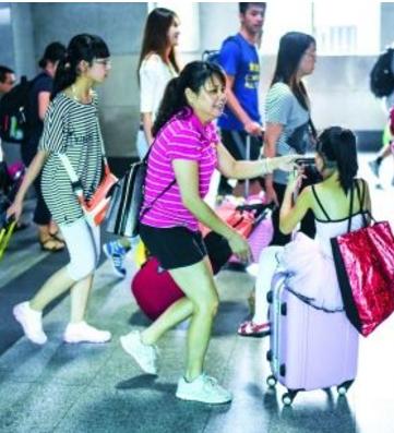 2018年暑运8月31日结束 中国铁路兰州局集团—— 62天发送旅客1300万人次