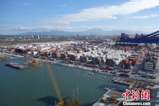 """践行""""一带一路""""倡议 中企助力巴西第二大港快速发展"""