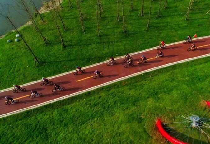 """成都开通首条自行车""""高速路"""""""