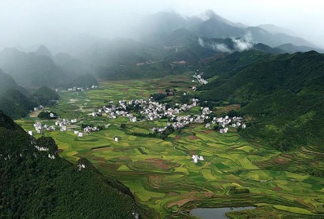 桂西山村秋色美