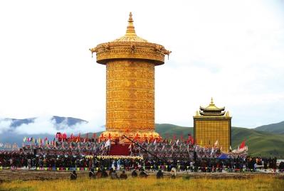甘南玛曲县宁玛寺大藏经转经筒挑战吉尼斯世界纪录成功