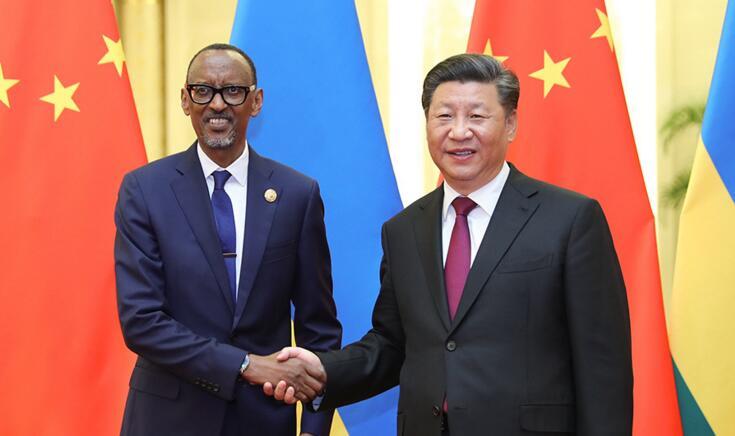 习近平会见卢旺达总统卡加梅