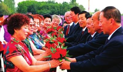 金昌:夕阳红集体婚礼
