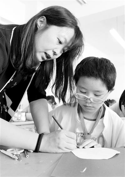 【教师节】酒泉路小学美术老师脱文丽:收到学生的来信是最开心的事