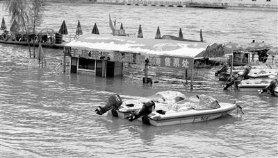 进入汛期 黄河兰州段水流量猛涨