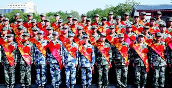 白银区举行2018年度新兵欢送会 100名新兵将踏上新征程