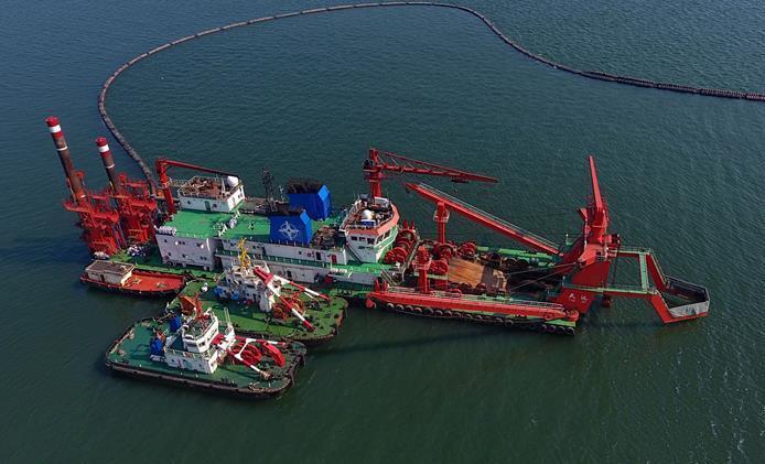 唐山港京唐港区25万吨级航道工程加紧施工
