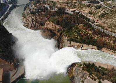 刘家峡水库水位较同期高约6米 24小时泄洪保度汛(组图)