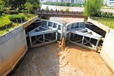 黄河兰州段水流量不减 沿河公园仍未开园