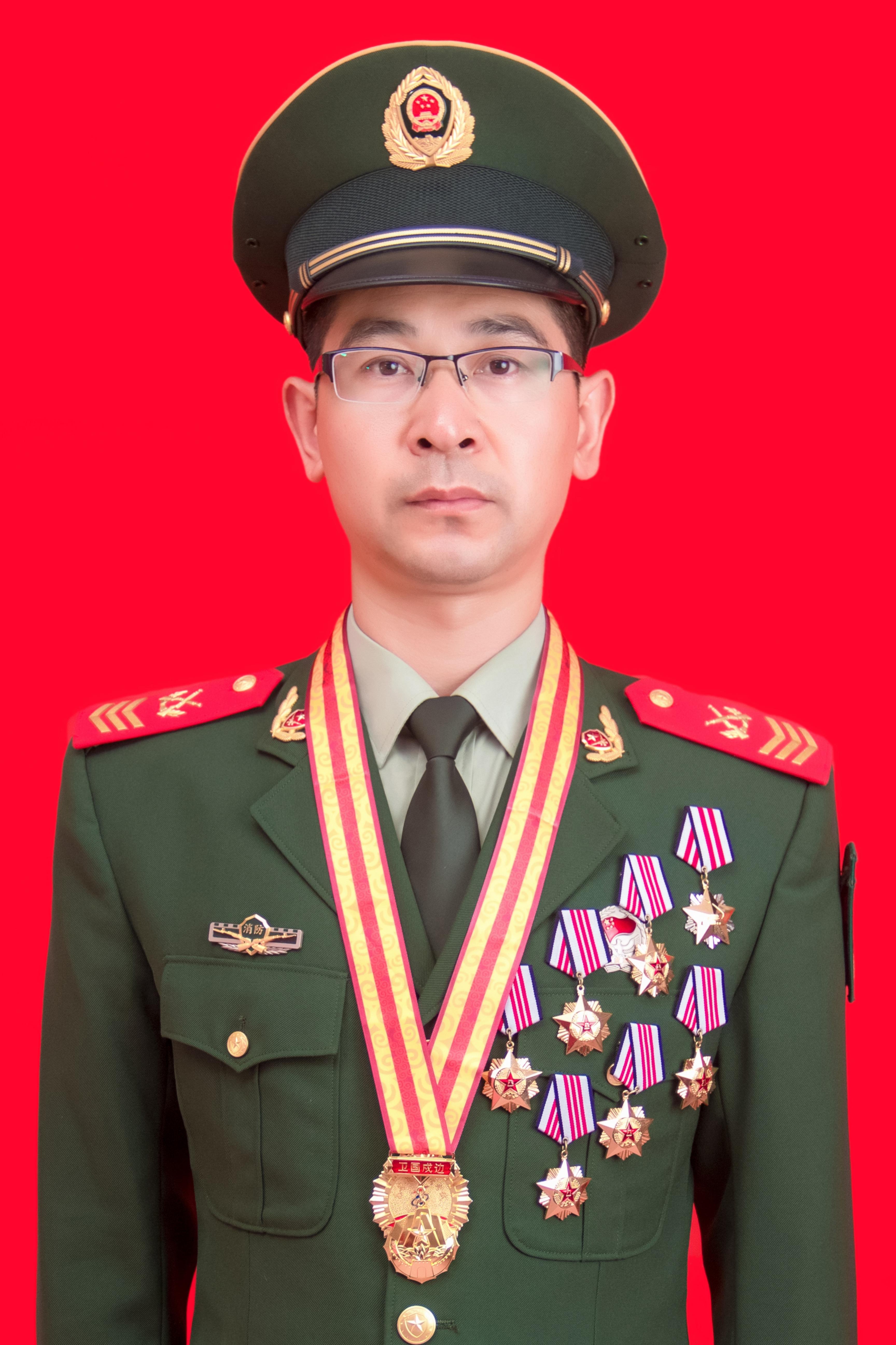 """""""陇原十大消防卫士""""候选人 邓四林先进事迹"""