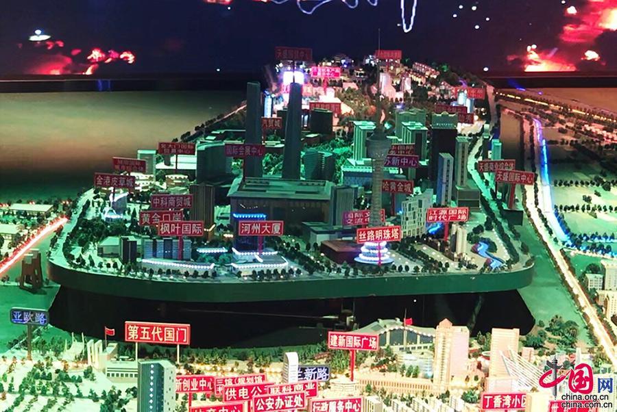 """【""""新时代·新平台·新机遇""""——""""一带一路""""大型网络主题活动】霍尔果斯从""""丝路古驿站""""到""""繁华国际城"""""""