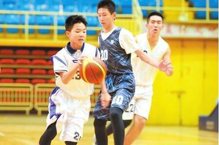 兰州:感受篮球魅力 享受运动快乐