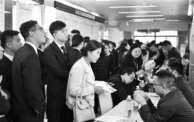 第14届中国兰州人才智力交流大会启动 国内800多家单位提供就业岗位5万余个