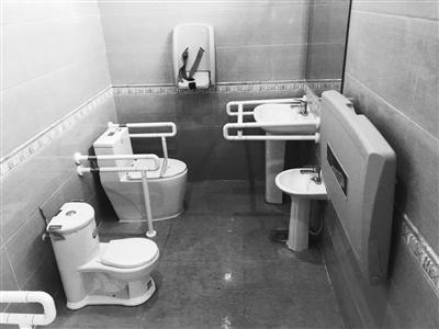 """配备母婴室 兰州城关区掀起 """"公厕革命"""""""