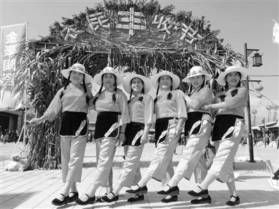 兰州榆中县农民欢歌丰收节(图)
