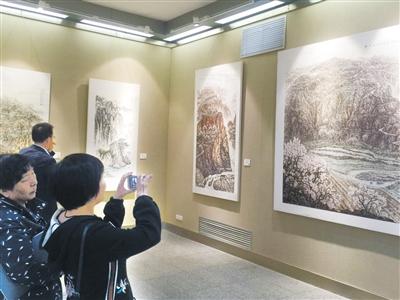"""""""红色基因 陇原情""""军旅画家何永生国画作品全国巡展在兰举办"""