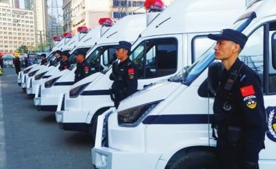 兰州市城关公安配备反恐处突警务车