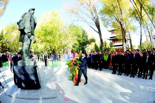 酒泉市隆重举行王进喜诞辰95周年纪念活动(图)
