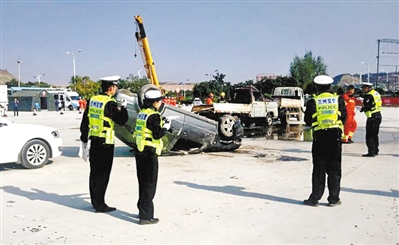 兰州交警开展高速公路交通事故应急处置演练