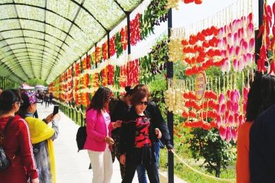 乡村旅游成时尚 农场小镇游客旺——乡村旅游成为兰州市永登县旅游产业新的增长极