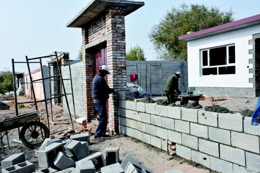 酒泉肃州区丰乐镇前所村受灾村民重建家园(图)