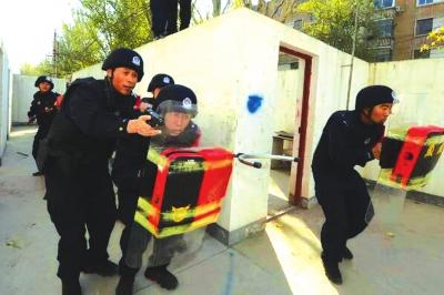 """兰铁公安开展警务实战技能""""大比武"""""""