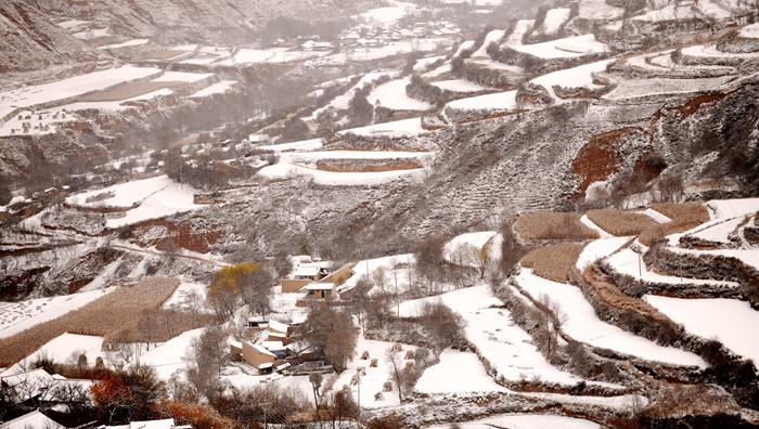 定西渭源:雪霁梯田景如画