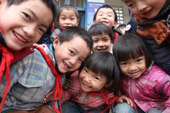 """精准扶智""""拔穷根"""" ——甘肃省实施多个教育扶贫专项计划阻断贫穷代际传递"""