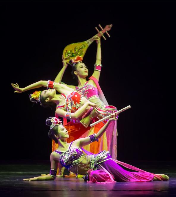 甘肃高校探索敦煌舞教学体系传承丝路文化
