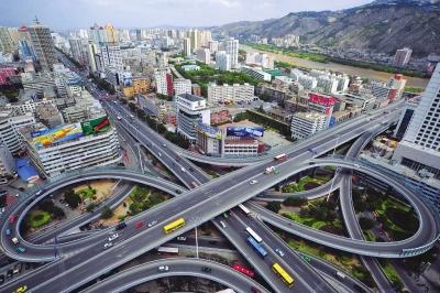 改革开放四十年丨昔日东西仅有一条主干道今朝立体交通网络趋完善