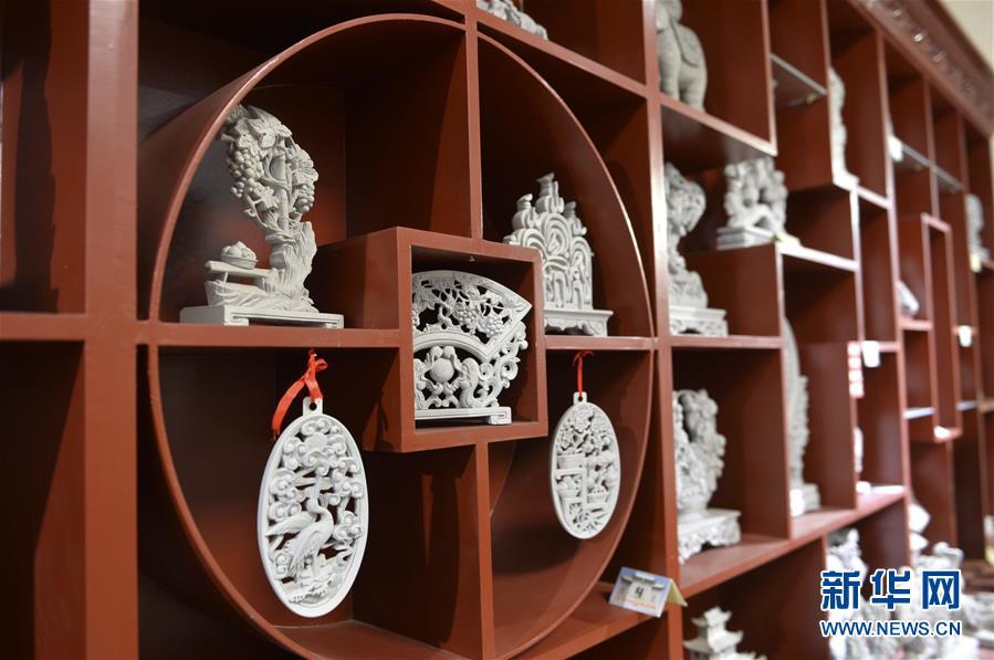(经济)(5)甘肃临夏:砖雕产业快速发展