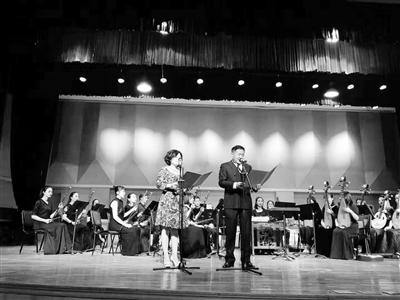 """""""玉华帛彩国际诗文吟唱会""""在西北师大举办"""